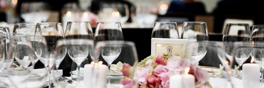 dekoracja-stolu-roza
